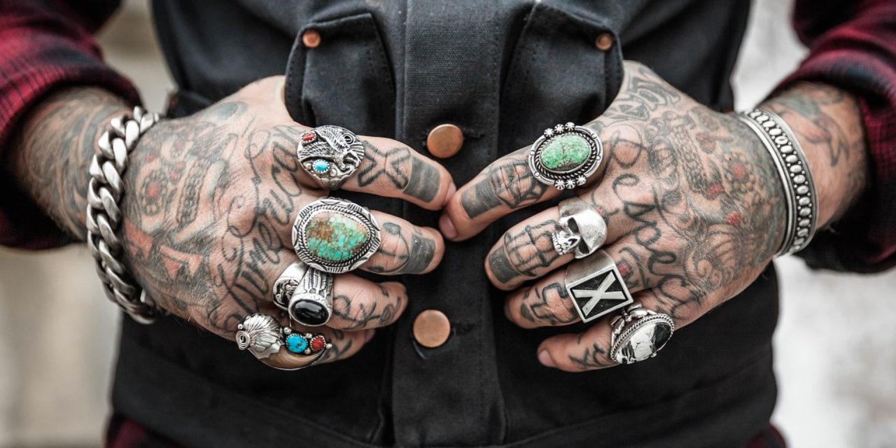 La bague et la montre, ces bijoux pour homme indispensables