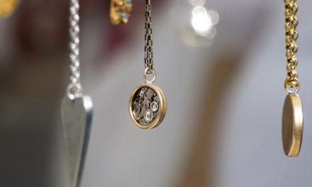 Or rose ou or jaune pour mon collier ?